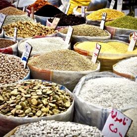 Reis, Linsen, Bohnen in allen Variationen am alten Bazaar in Erbil