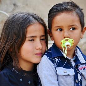 Syrische Flüchtlingskinder bei einer kurdischen Gastfamilie