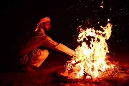 23 Selbst wenn das Feuer erlischt, bleibt die Erinnerung an die Wärme.
